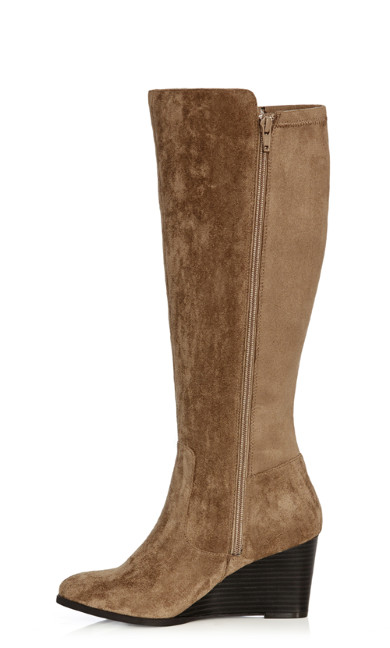 Delia Wedge Boot - beige